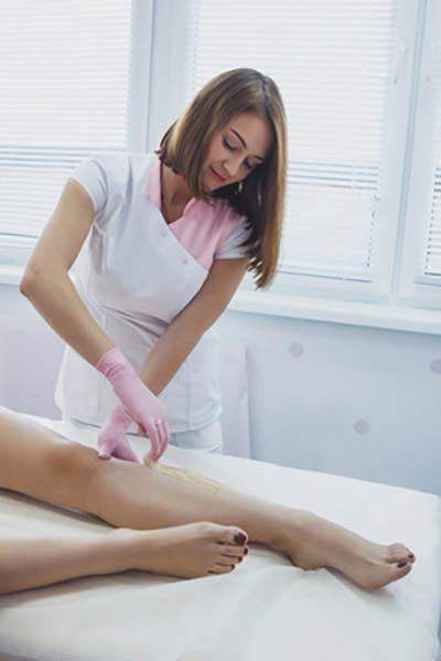 Zabieg depilacji woskiem w Warszawie w Healthybeauty