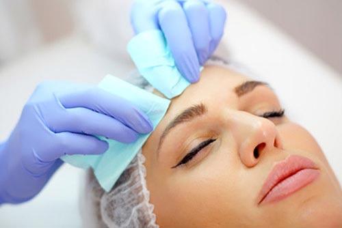 Manualne oczyszczanie twarzy warszawa