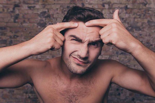 Usuwanie męskiego trądziku