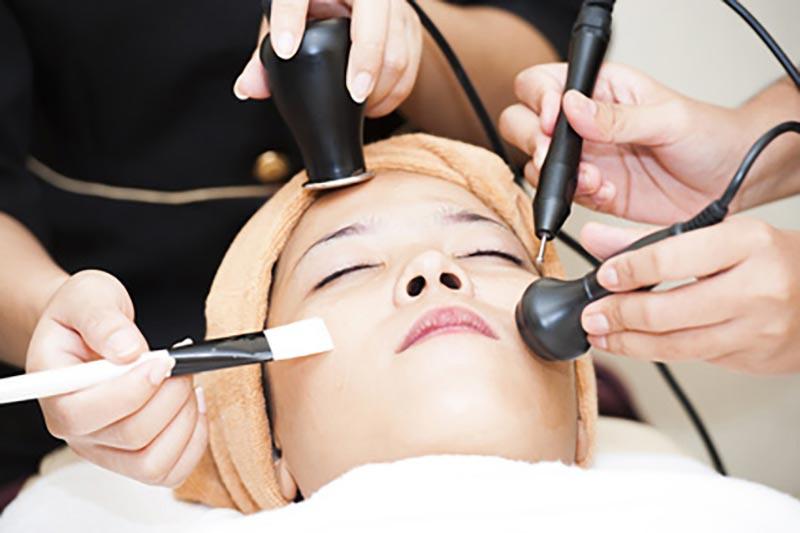 Zabiegi kosmetyczne na trądzik różowaty