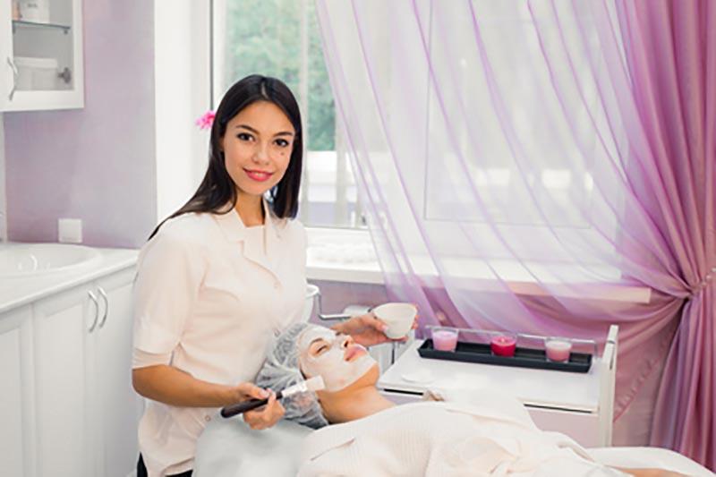 Zabieg bankietowy przy użyciu kosmetyków Yonelle