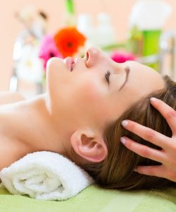 Voucher na masaż głowy