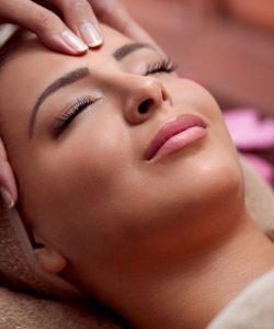 Voucher na masaż twarzy