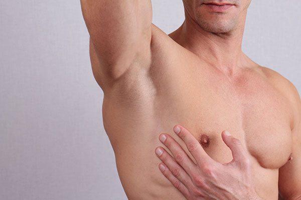 Depilacja męskiego ciała