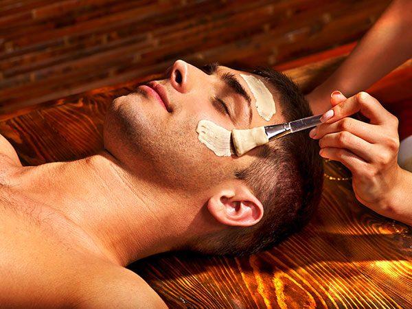 Zabiegi za pomocą kwasów na twarz - peeling chemiczny