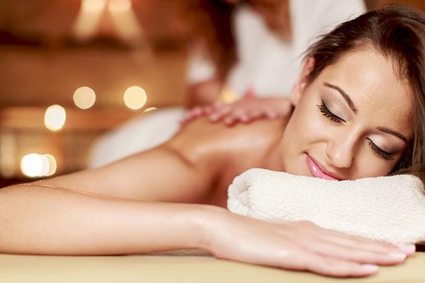 Masaż relaksacyjny - przy muzyce i świecach