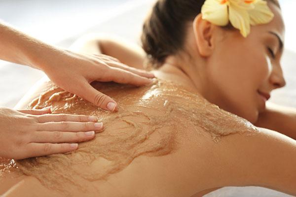 Peeling ciała - idelnie gładka i czysta skóra
